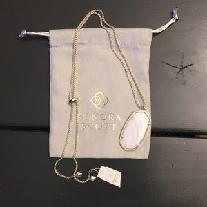 Kendra Scott necklace
